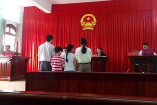 Dọa tự tử ở phiên tòa để níu kéo chồng