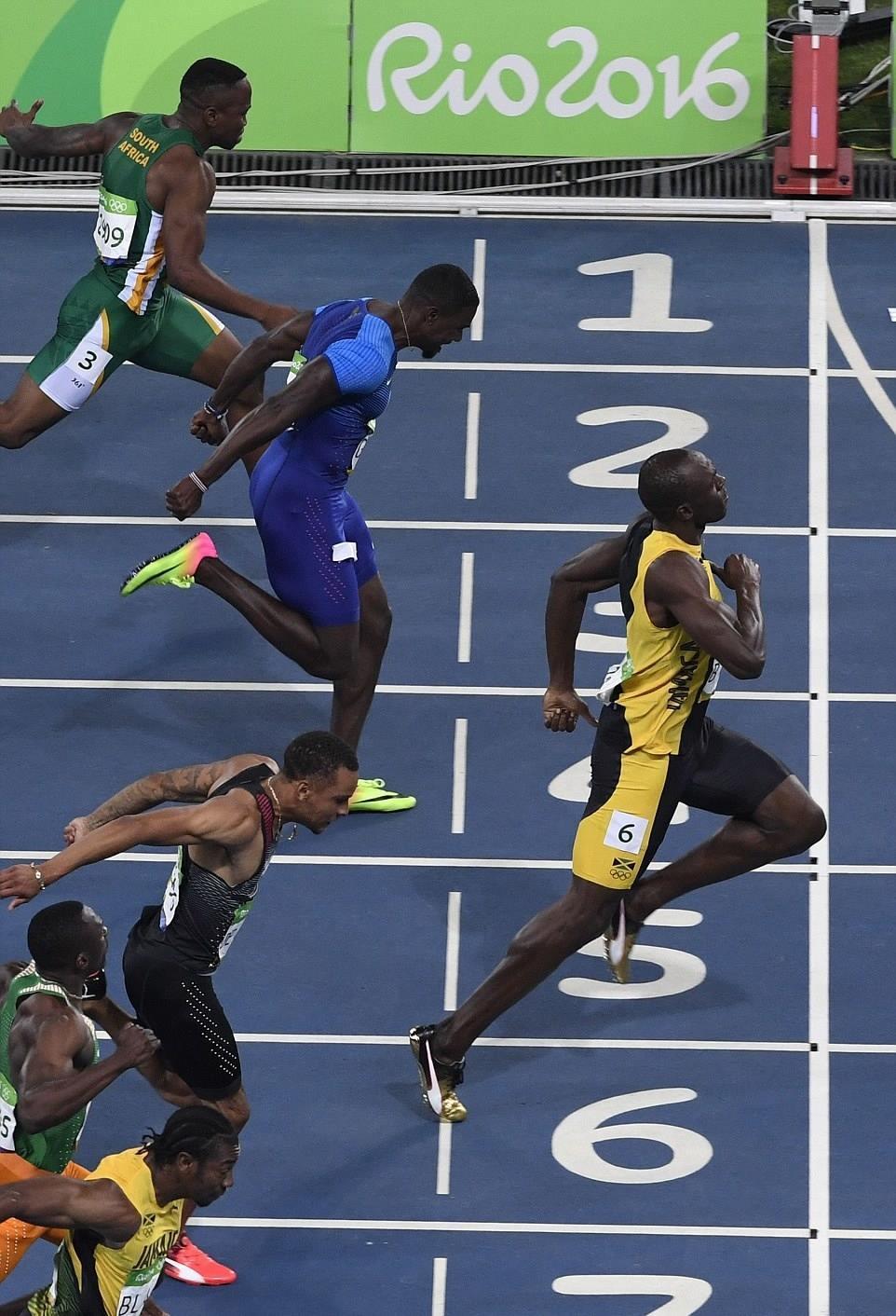 'Tia chớp' Usain Bolt lần thứ 3 giành HCV Olympic chạy 100m