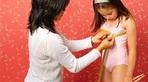 Bé gái 9 tuổi mang bướu vú khổng lồ