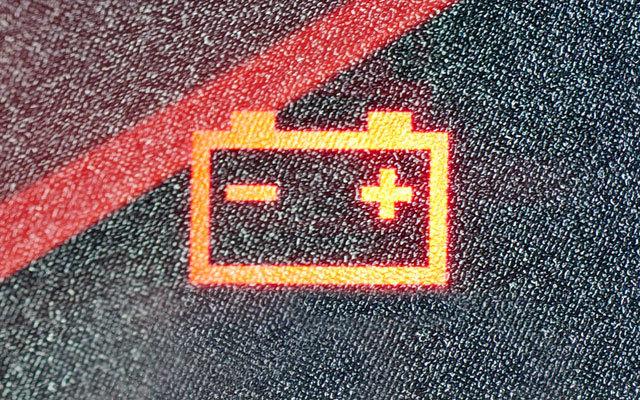 Top 8 đèn cảnh báo trên ô tô đáng lưu ý nhất khi sử dụng xe 3