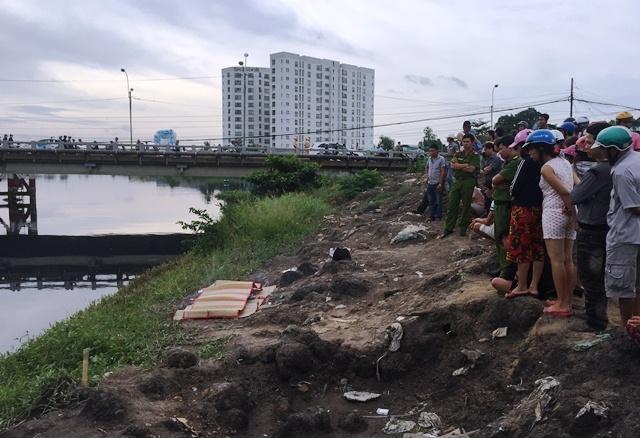 Thanh niên chết bí ẩn trên kênh ở ngoại ô Sài Gòn