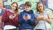 Trẻ giàu dùng internet khác trẻ nghèo thế nào?