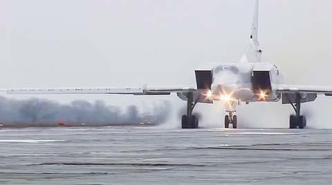 Xem máy bay Nga lần đầu xuất kích từ Iran để diệt IS