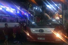 Chủ tịch TPHCM: 'Dẹp nạn bến xe dù trái phép không lòng vòng nữa'