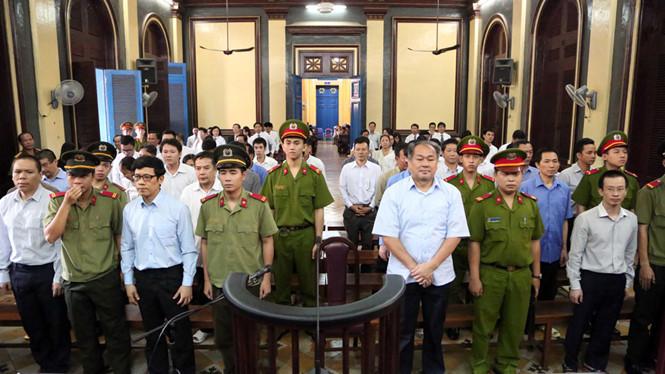 Xét xử Phạm Công Danh: Luật sư 'đòi' trả hồ sơ vụ án
