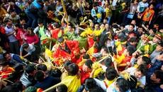 Hai cốc bia 17 triệu và chuyện người Việt 'trọc phú'