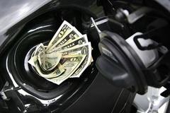 Sai lầm khiến xe máy ngốn xăng nhiều hơn
