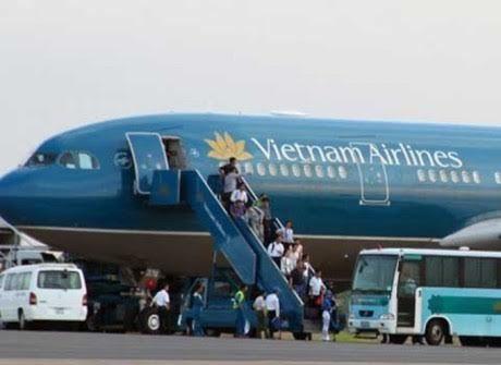 cấm bay, hành khách VIP, tát tiếp viên hàng không
