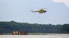 Máy bay, xe lội nước sẵn sàng chống bão số 3