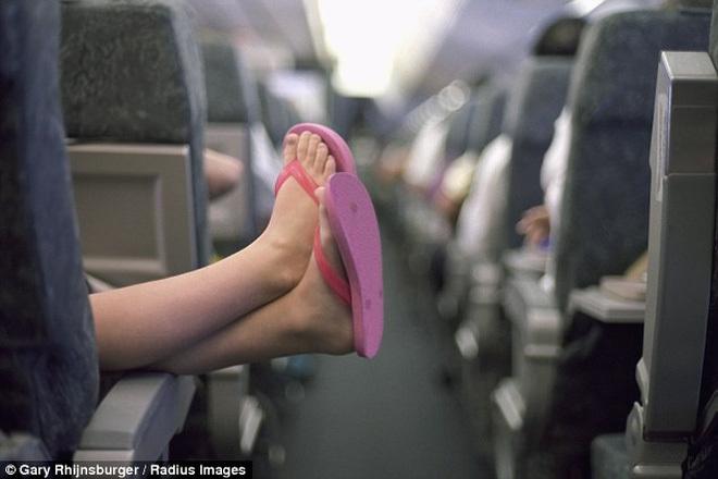 Khách VIP bốc mùi, bôi bẩn trên máy bay