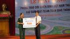 Tặng 500 mũ bảo hiểm cho cựu chiến binh Tuyên Quang