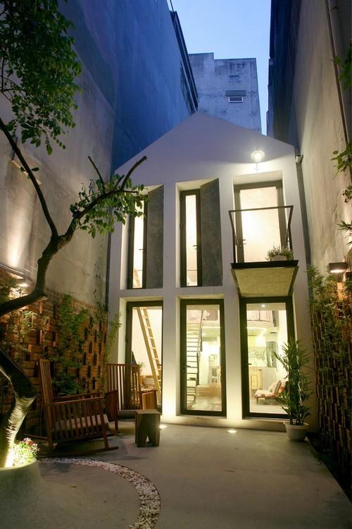 20160819145551 nha pho5 Ngắm nhìn sự mộc mạc đầy ấn tượng của ngôi nhà phố sẵn sàng cắt đất làm sân vườn ở Hà Nội
