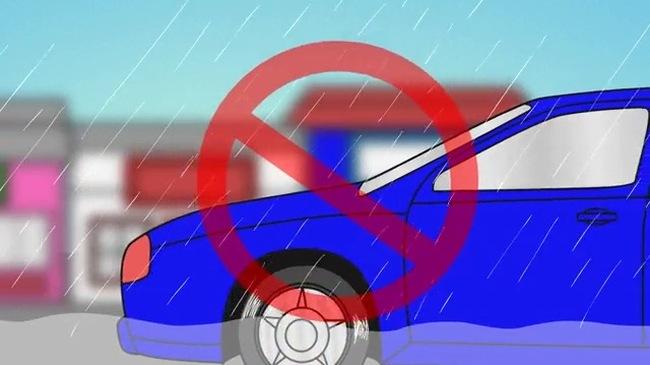 10 điều lưu ý để đảm bảo an toàn khi lái xe trong mưa bão