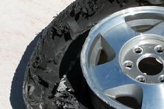 Thanh niên tử vong khi bánh xe tải phát nổ