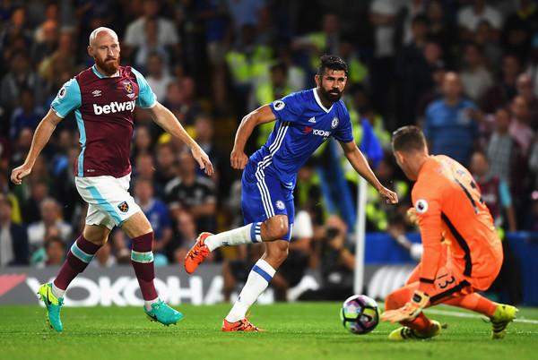 Mark Lawrenson 'Gia Cát Dự': Chelsea, Man City tiếp mạch thắng