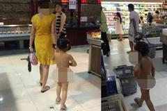 Mẹ đưa con gái không mặc quần áo đi siêu thị gây sốc