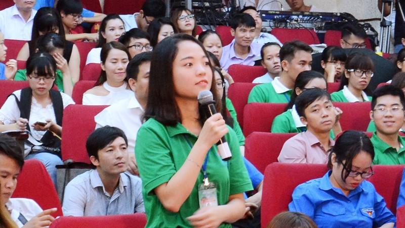 Thu khoa xuat sac hoi kho xa thu Hoang Xuan Vinh