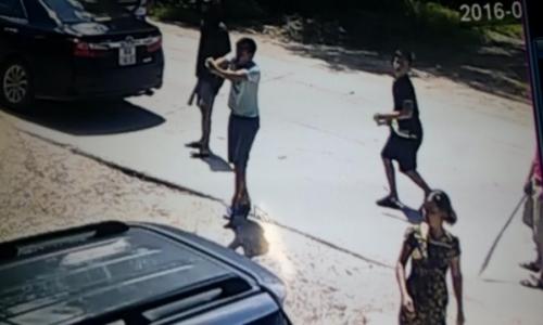 Nhóm côn đồ táo tợn xả súng vào nhà dân giữa ban ngày