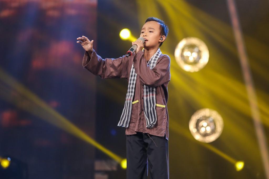 Hạng mục ca sĩ ấn tượng  Cho đến thời điểm hiện tại, chỉ trong một thời gian rất ngắn, Quán quân Việt Nam Idol Kids 2016 – Hồ Văn Cường đã vươn lên giành vị trí số 1 trong top 5 của hạng mục.