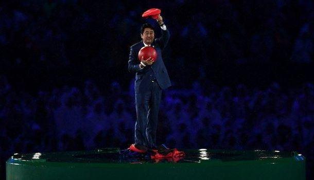 Bế mạc Olympic Rio: Thủ tướng Nhật hóa thân thành Super Mario