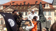 Giả IS diễn cảnh hành quyết khiến dân khiếp vía