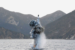 Triều Tiên bắn tên lửa đạn đạo từ tàu ngầm