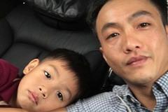 Bị chê mải mê yêu, Cường Đô la khoe ảnh đưa con trai đi học bằng xế hộp