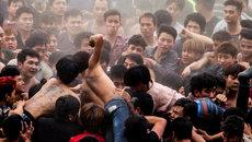 Người Việt 'ra ngoài tử tế, về nước làm bừa'