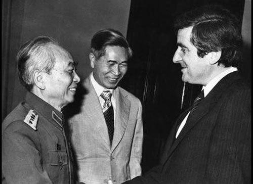 Nguyễn Cơ Thạch, 30 năm đổi mới, Đại hội Đảng VI, Campuchia, Bình thường hóa Việt - Mỹ, ASEAN, Gỡ bỏ cấm vận, Trung Quốc