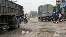 Chậm thi công, đường quốc lộ bị cày xới nham nhở