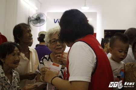 Dân Sài Gòn mơ đổi đời, nhịn ăn sáng gom tiền mua vé số kiểu Mỹ - ảnh 2