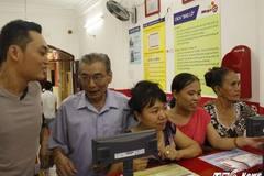 Dân Sài Gòn mơ đổi đời, nhịn ăn sáng gom tiền mua vé số kiểu Mỹ