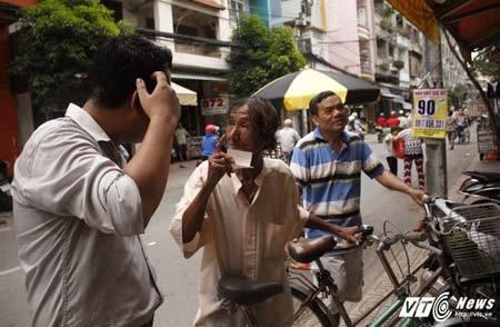 Dân Sài Gòn mơ đổi đời, nhịn ăn sáng gom tiền mua vé số kiểu Mỹ - ảnh 3