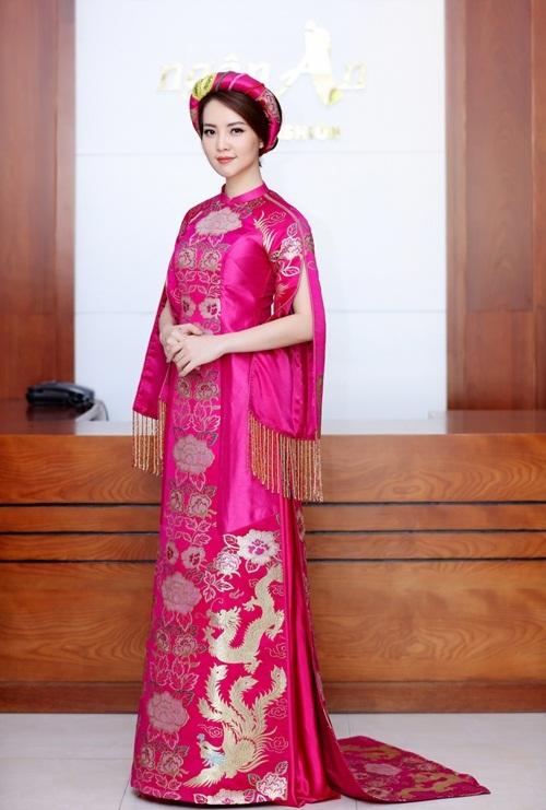 Thụy Vân thử váy áo chuẩn bị làm MC chung kết Hoa hậu Việt Nam