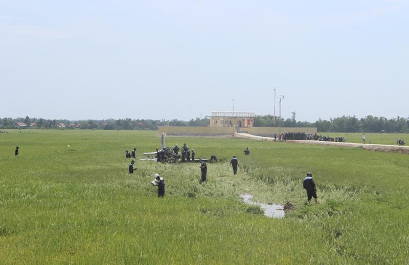 Hình ảnh mới nhất hiện trường máy bay rơi ở Phú Yên