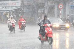 Miền Bắc giảm nhiệt, gió giật mạnh, mưa đá