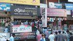 Ấn Độ: Dân nô nức xếp hàng nhận SIM 4G dùng miễn phí 3 tháng