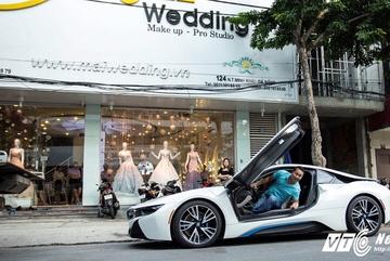 Đại gia Đà Nẵng mua siêu xe BMW i8 tặng vợ