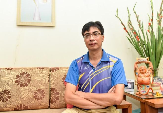 Bố HH Mỹ Linh mất ăn, mất ngủ khi con gái bỗng dưng nổi tiếng