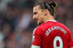 """Ibrahimovic được Mourinho """"thưởng nóng"""""""