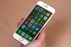 """""""Dứt tình"""" Samsung, iPhone quay sang dùng chip Intel"""