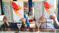 Quy tắc ngầm trong thực đơn nhà hàng không phải ai cũng biết