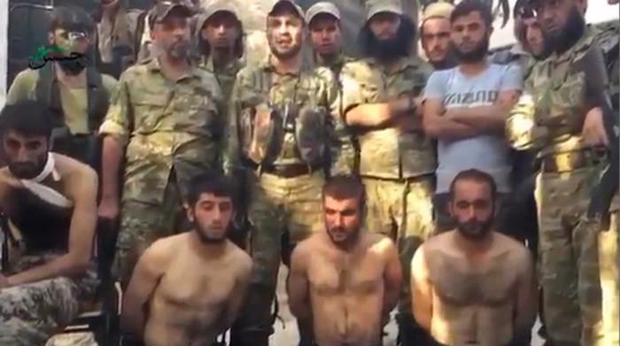 Thay vì diệt IS, hai đồng minh của Mỹ quay sang đánh nhau