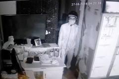 Truy bắt kẻ trộm gần nửa tỷ đồng ở quán cà phê