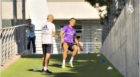 Ronaldo tập luyện điên cuồng chờ ngày tái xuất