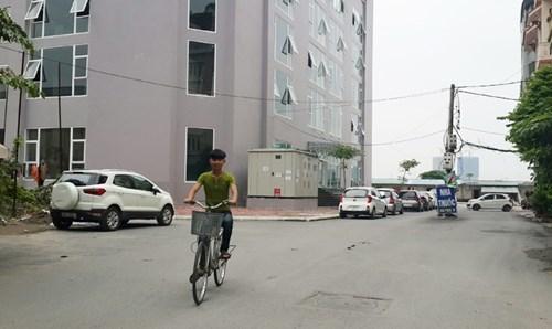 chung cư Đông Đô, chung cư vô thừa nhận, chung cư giáp ranh giữa 2 phường
