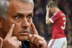 Không rời MU, Schweinsteiger khiến Mourinho tức điên
