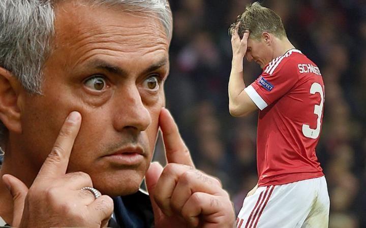 Bastian Schweinsteiger, Jose Mourinho, MU, tin chuyển nhượng