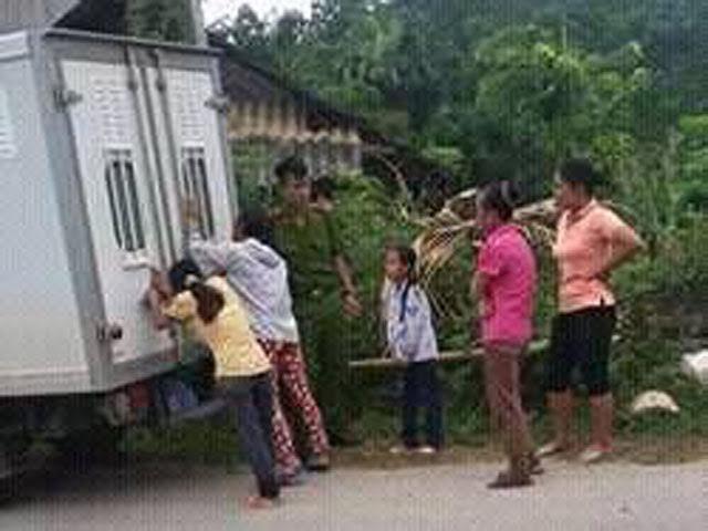 bố xâm hại con gái, xâm hại trẻ em, Yên Bái, hiếp dâm