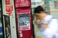 Truy tìm 'siêu trộm' rút hơn 340.000 USD từ cây ATM
